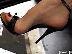 beautiful-blonde-car-foot