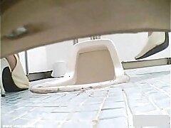 ass-bathroom-hidden-japaneese