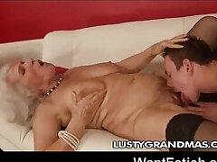 freak-grandma-granny-nasty