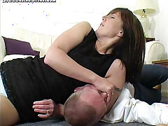 bitch-wrestling