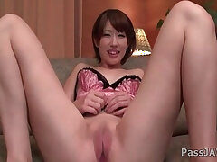 asian-bald pussy-insertion-pussy