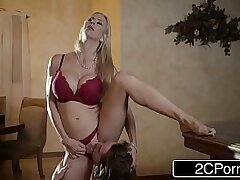 blonde-blowjob-boobs-busty girls