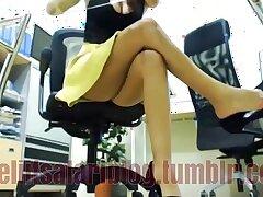 pantyhose-secretary-turkish-upskirt